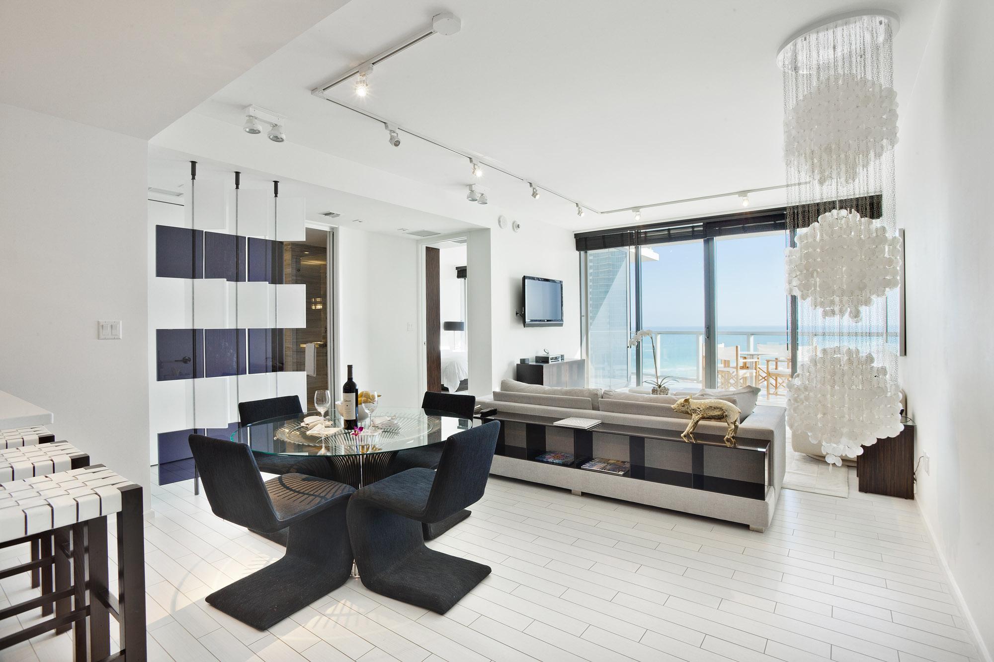 W Hotel 1 Bedroom plus Den/Kids Bedroom Oasis Suite | GO Vacations ...